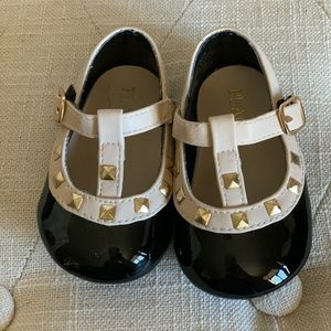 Infant rockstud shoes